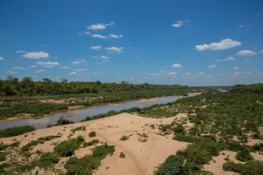 8R2A1295 Gorongosa River 3