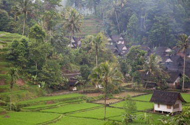8r2a1714 kampung naga traditional sundanese village west java indonesia