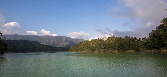 8r2a2133 lake telaga warna pengilon dieng plateau central java indonesia
