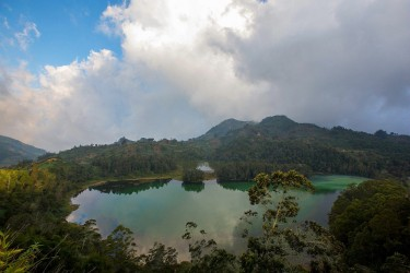 8r2a2137 lake telaga warna pengilon dieng plateau central java indonesia