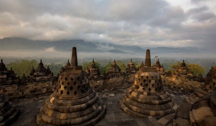 8r2a2301 buddhist temple borobodur central java indonesia