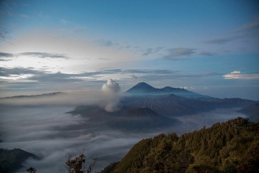 8r2a2616 view of mts. bromo semeru batok and widodaren tengger caldera east java indonesia