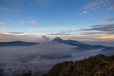 8r2a2662 view of mts. bromo semeru batok and widodaren tengger caldera east java indonesia