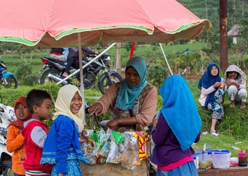 8r2a2066 islamic slauther festival dieng plateau central java indonesia