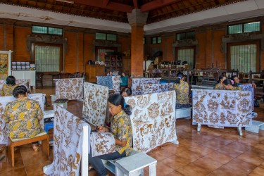 8R2A9791 Handicraft Batic Ubud South Bali Indonesia