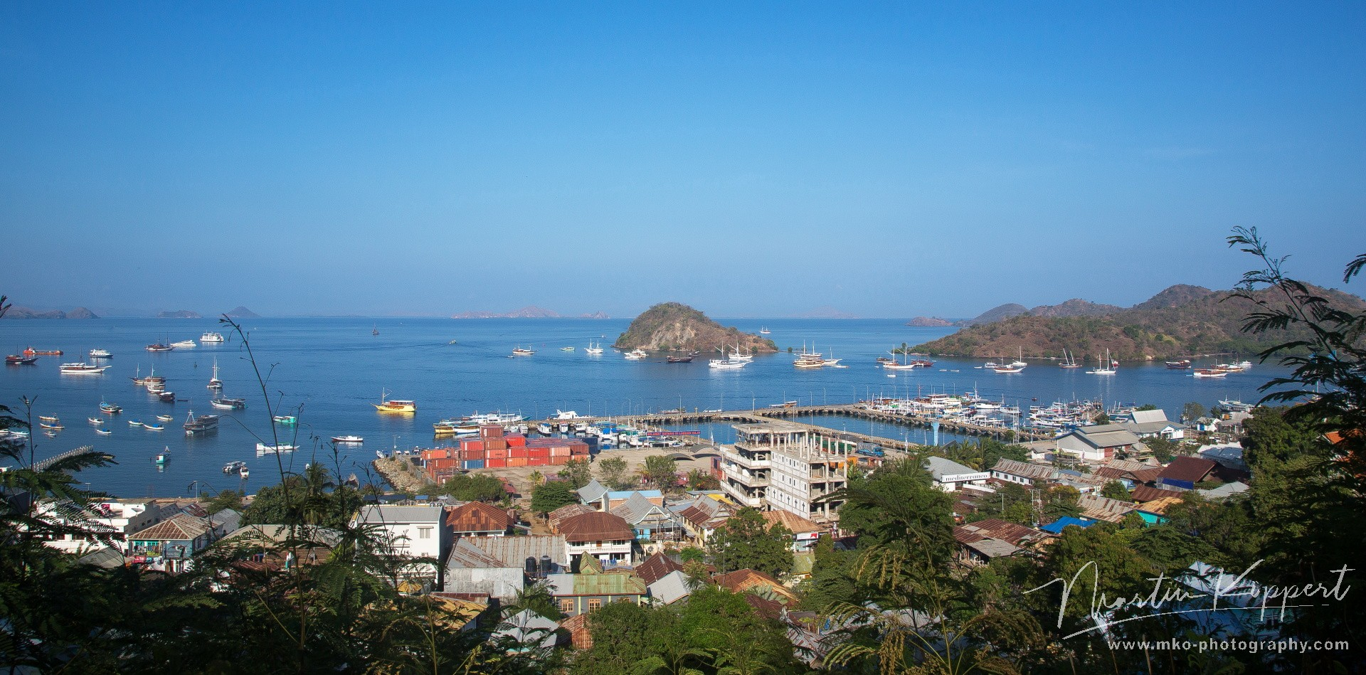 8R2A3840 Port Labuan Bajo Flores indonesia