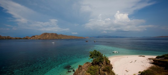 8R2A4122 My Island for 24 h Flores Sea indonesia